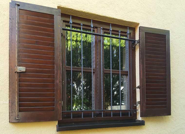 Stahl- und Metallbau, Referenz Fenstergitter